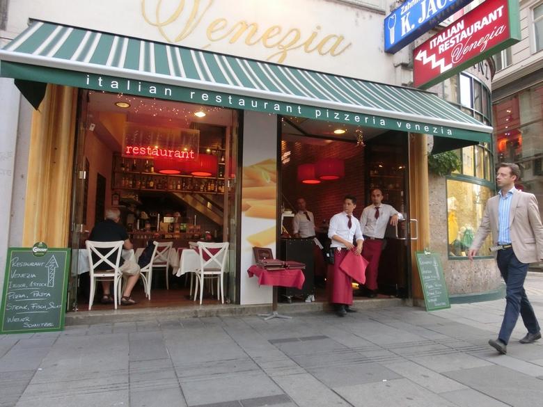 6751751-Venezia_Restaurant_Vienna