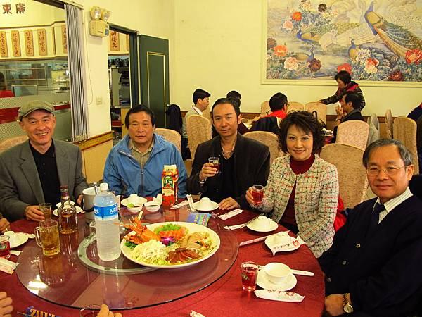 左起-洪聖博、魏天符、陳錦煥、黃麗華、廖鉅炎.JPG