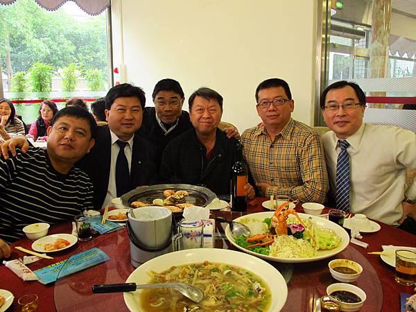 左起-楊明峰、胡淵欽(長榮航空)、涂極東、周鐵成理事長、馮國豐、陳基源.JPG