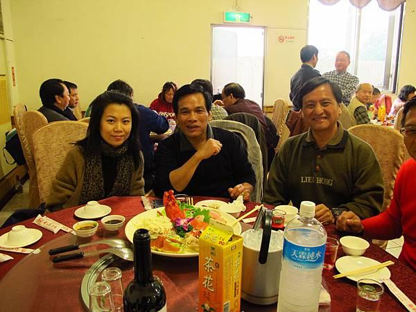 左起-謝欣薇、黃柱石、毛景峰.JPG