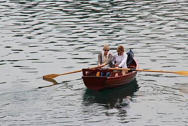 06 湖心划船