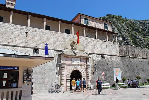 Montenegro, Kotor-120614-014-海 (西) 門