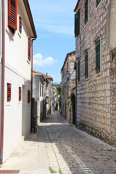Croatia, Stari Grad-120611-045