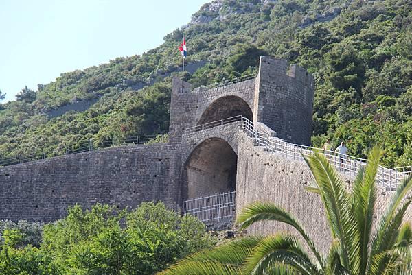 Croatia, Ston-120612-018-歐洲最長史東城牆 (5.5 km)