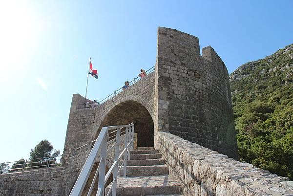 Croatia, Ston-120612-035-歐洲最長史東城牆 (5.5 km)