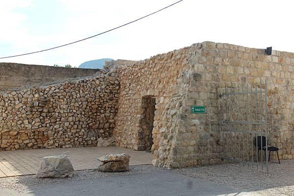 Croatia, Ston-120612-062-史東城牆裡的洗手間