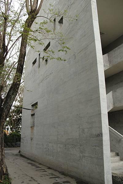 台東-130412-161_公東高工&公東教堂