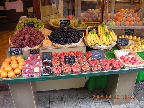水果攤也很誘人