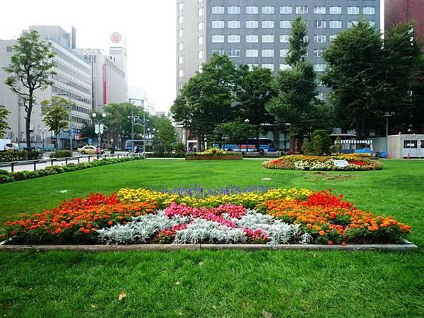 日本大爆走 / DAY2 / 早晨札幌漫步 in 大通公園
