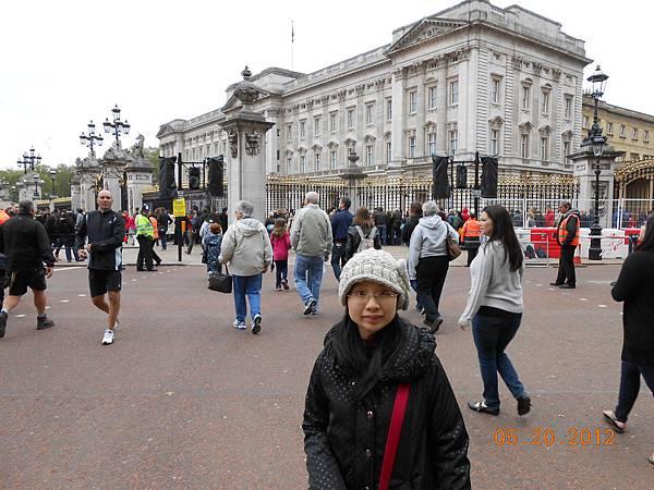 Buckingham Palace廣場.JPG