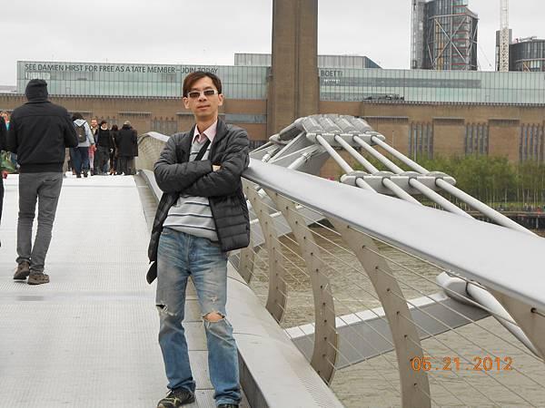 千禧橋上面.JPG