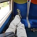 巴黎人很愛將坐火車.JPG