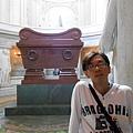 崇拜的拿破崙將軍棺.JPG