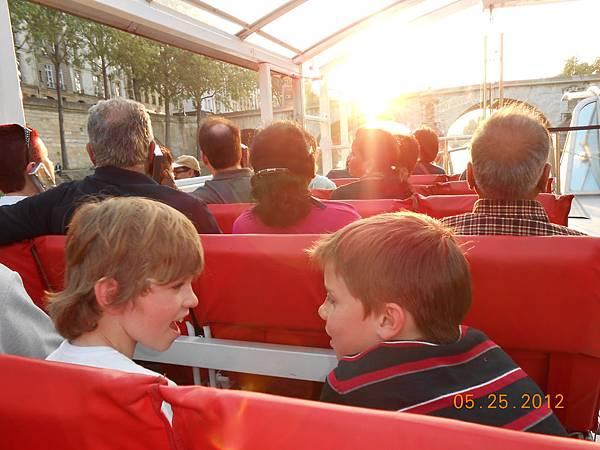 兩個小男孩都超可愛的.JPG