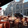 最後在巴黎的早餐 對面就是du Nord車站.JPG