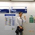 在PARIS的地鐵站內.JPG