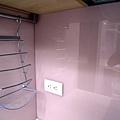 粉紅色烤漆玻璃