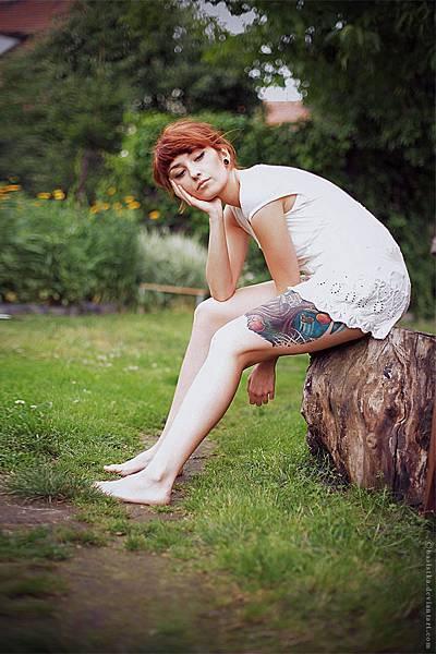 her_wooden_leg_ii_by_basistka-d3ju9yj.jpg