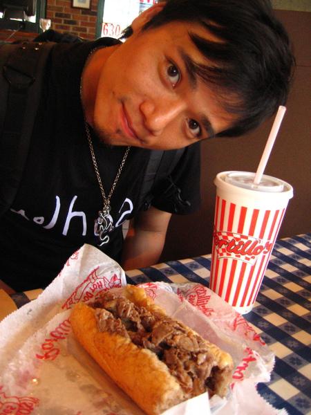 09/08 Downtown有名的熱狗店