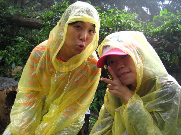 雨中休息...愜意呀!!