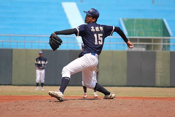游傑翔表現不俗 精彩投球內容壓制台東專校