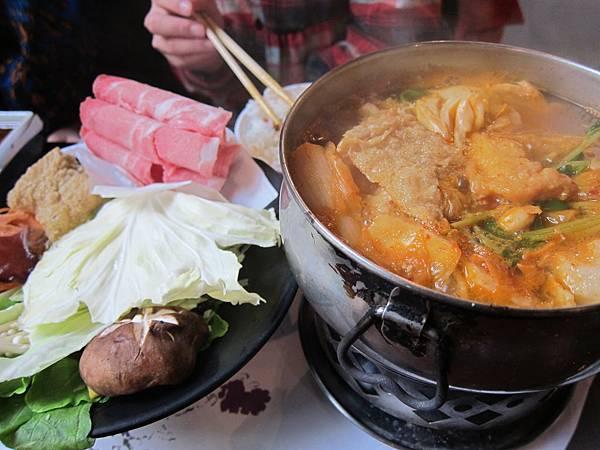庭瑜的綜合海鮮泡菜鍋