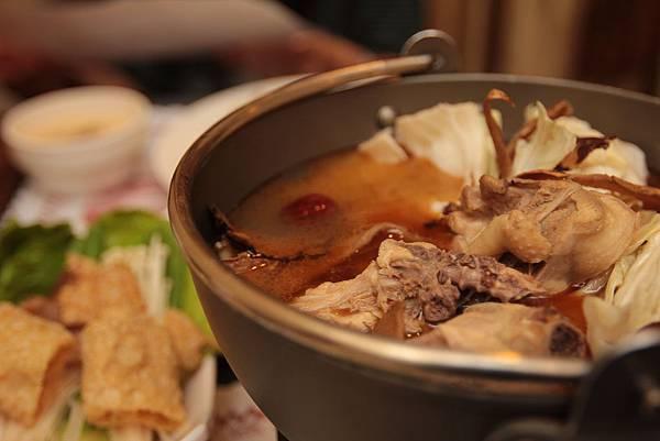 麻油雞的湯頭真好!