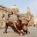 希望明年好運能像這隻牛一樣!