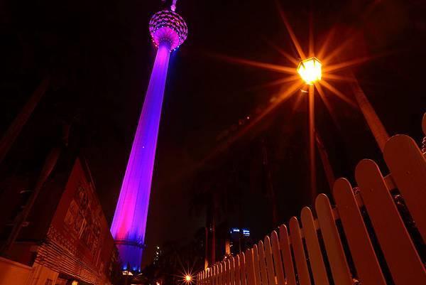 紫紅色的吉隆坡塔~