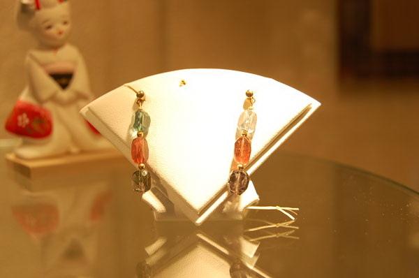 電氣石耳環