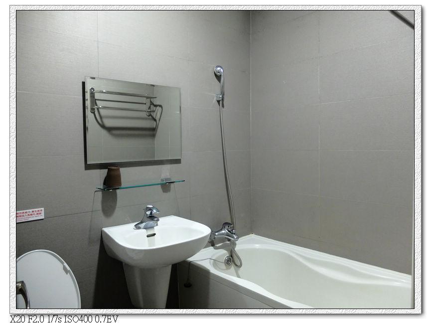好望角飯店,有浴缸ㄟ