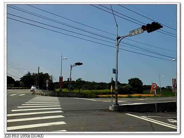 10:45 搭323公車到終點監理所,下車處有指標
