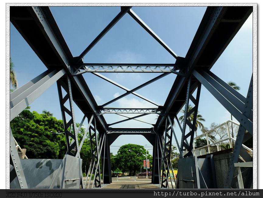 虎尾糖廠百年鐵橋