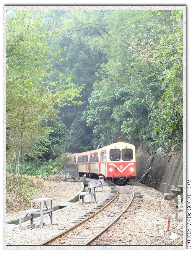 10:05 回到月台上等拍正班車進站