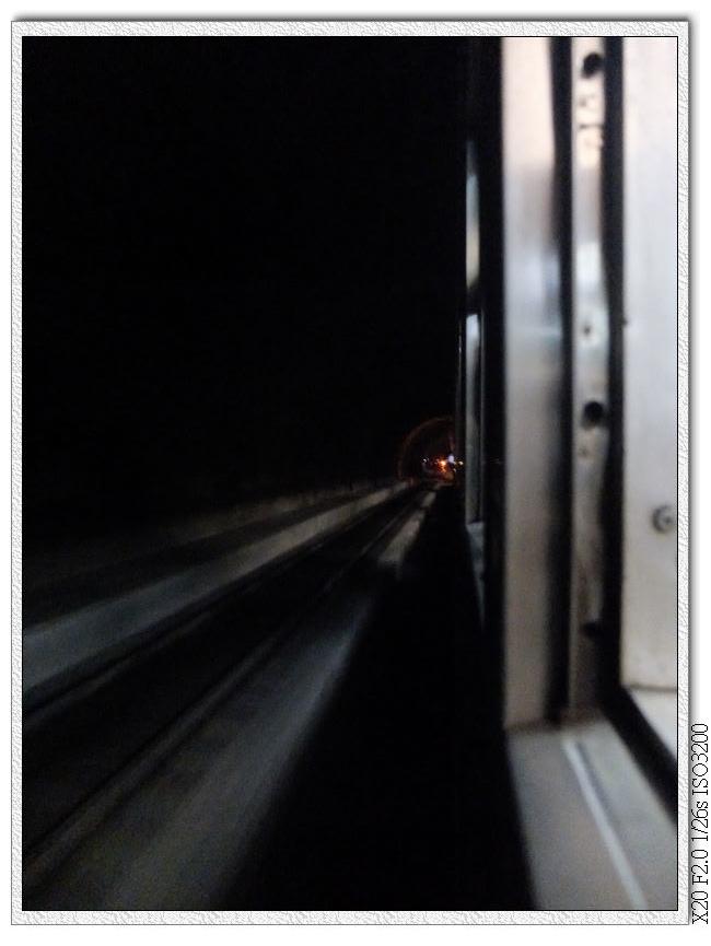 '往台東的隧道中