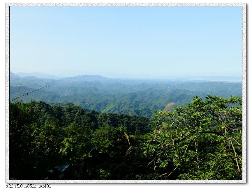 遠眺山區風景