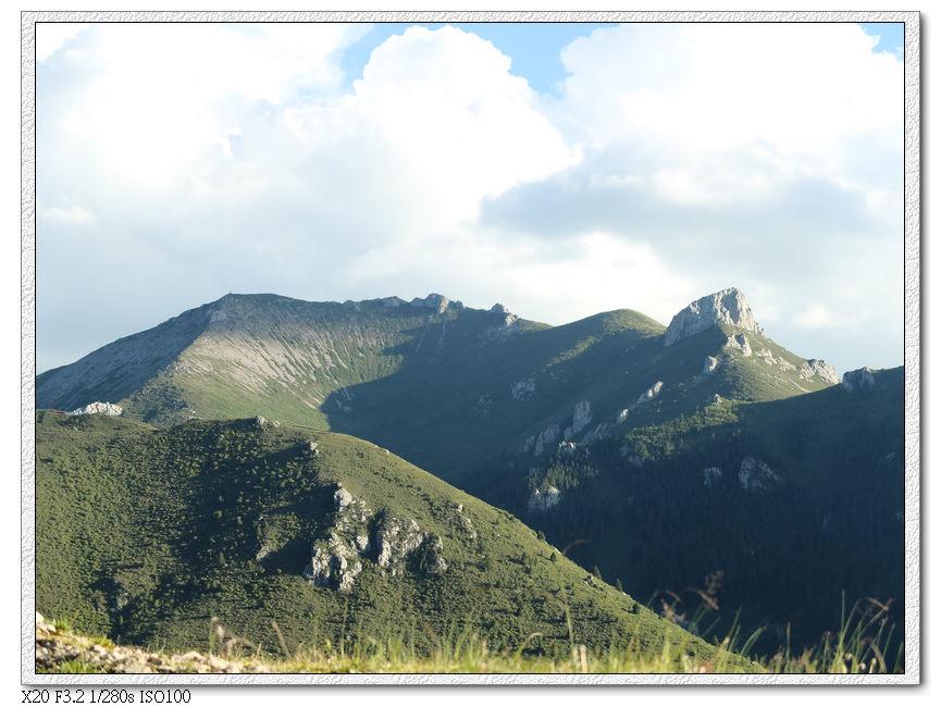 郎木寺的山