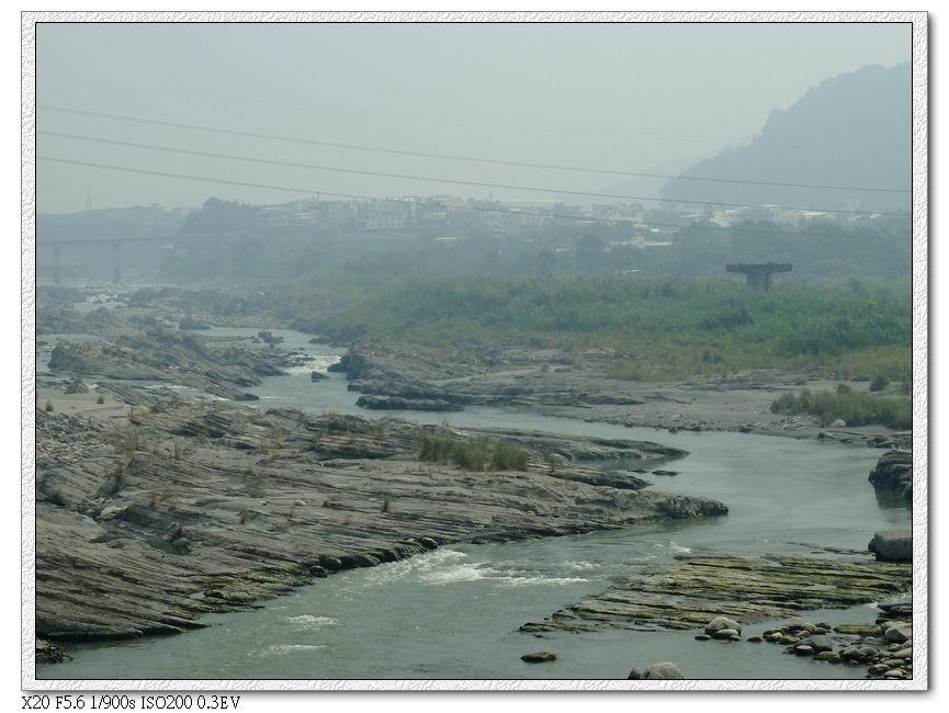大甲溪,今天空汙超嚴重,甚麼都看不到