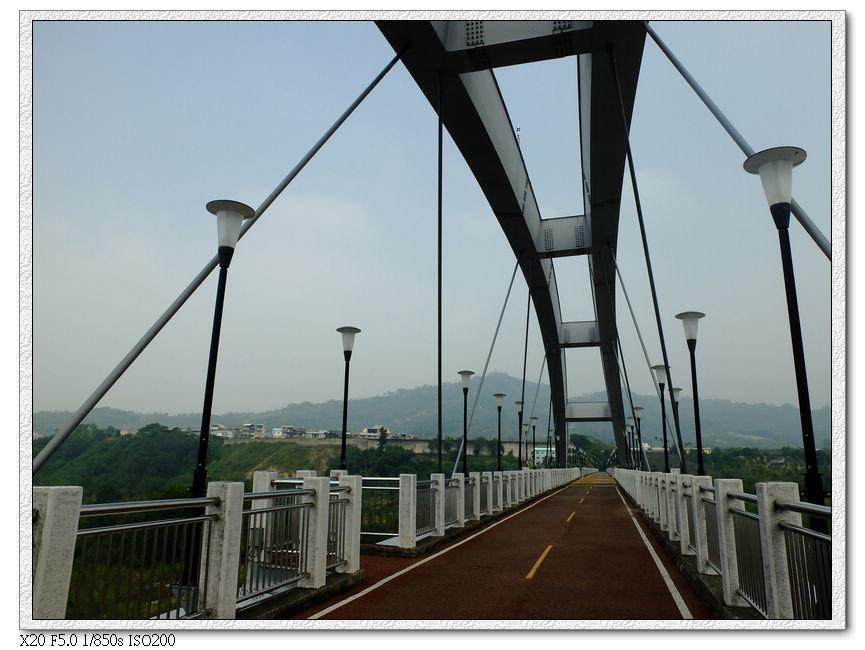 8km的東豐鐵橋