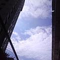 雲下的高樓大廈
