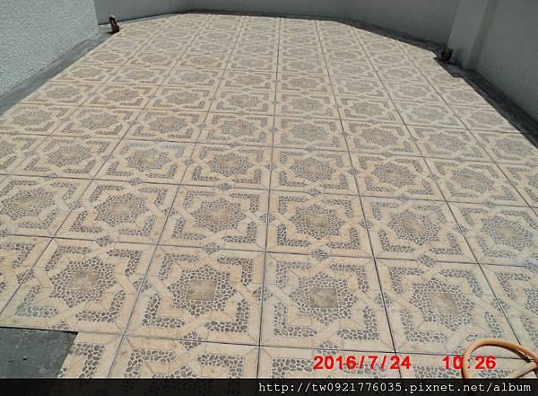 1露台迴廊地磚.jpg