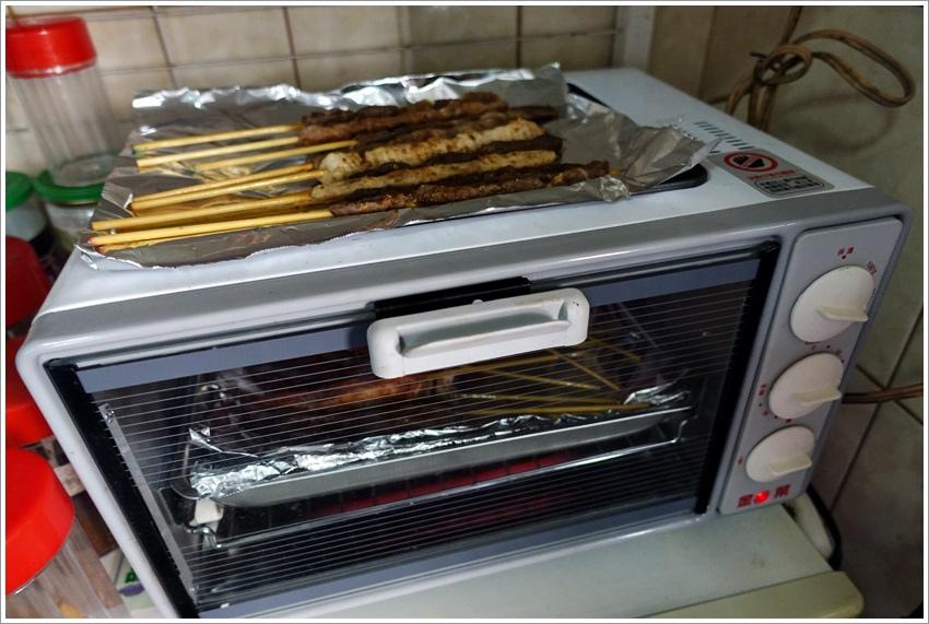 網路美食-卡瓦甫新疆燒烤-微波也很方便歐