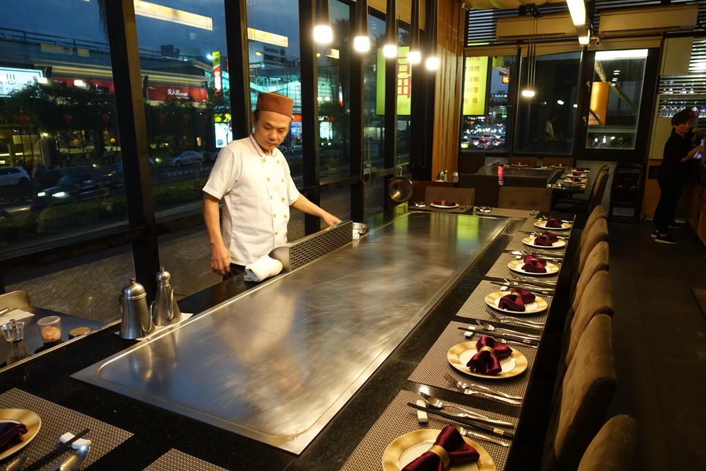 台南美食-福樓米其林推薦餐廳中華料理‧精緻燒烤‧時令海鮮‧日本料理‧鐵板燒‧宴會‧包廂