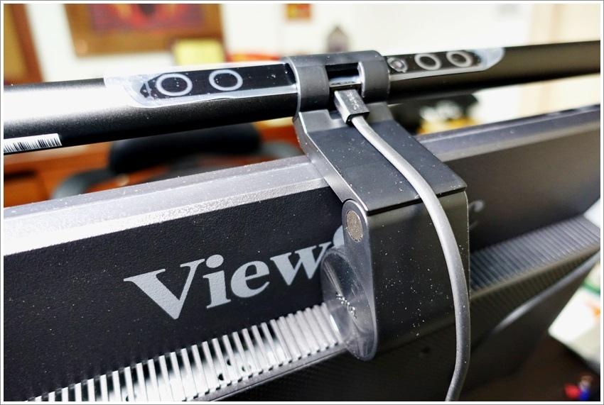 開箱文-BenQ WiT ScreenBar螢幕智能掛燈-自動調整室內光線護眼燈具
