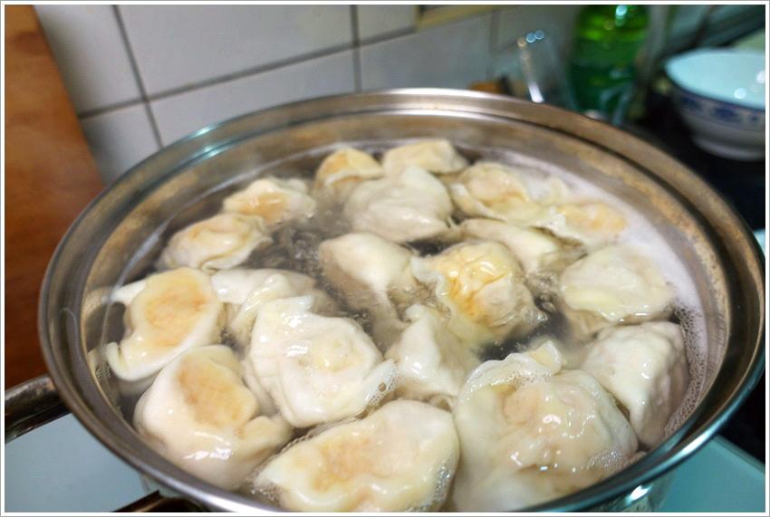 台中美食-鎮新記一粒一感動爆漿煎餃爆汁手工水餃齒頰留香