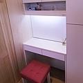 【北歐休閒】新北泰山-明日城  九木住宅設計 系統家具 化妝鏡 化妝鏡收納 鏡子對床 鏡子隱藏  