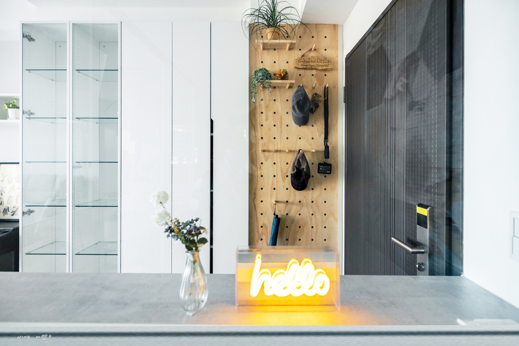 客廳設計 洞洞板 洞洞板安裝 洞洞板設計 洞洞板裝潢 洞洞板廠商