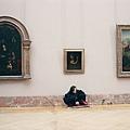臉劇照-尚皮耶李奧在羅浮宮.jpg