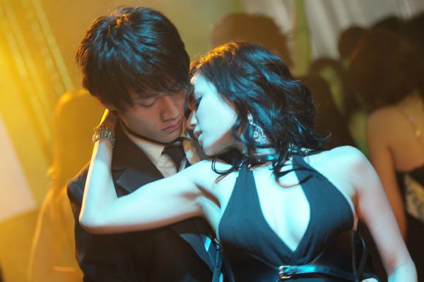 小澤瑪莉亞與張睿家貼身熱舞2.jpg