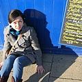 harrogate的藍色小店,在藍色的小牆和他的招牌照相,也是被路人嫌棄,哈~~